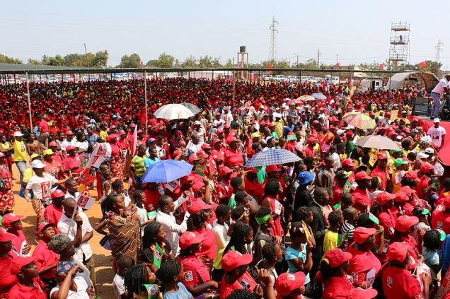 FRELIMO_final_campaign_rally_in_Maputo