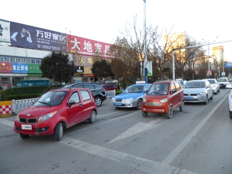 3.LSEVs using the main road, not at all feeling marginal, Liaocheng, Shandong
